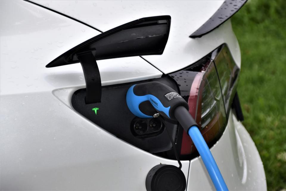 Les véhicules électriques ne permettront pas de réduire les émissions de gaz à effet de serre à eux seuls. Pourquoi ?